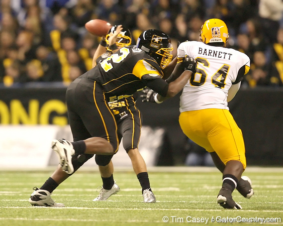 Olive Branch, Miss. (Olive Branch HS) offensive lineman Shon Coleman blocks during the first half of the U.S. Army All-American Bowl on Saturday, January 9, 2010 at the Alamodome in San Antonio, Texas. / Gator Country photo by Tim Casey