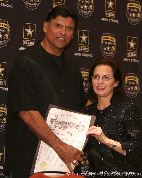 NFL Hall of Famer Anthony Mu–oz is presented with an award after the fourth day of practice for the U.S. Army All-American Bowl on Thursday, January 7, 2010 at the Grand Hyatt Hotel in San Antonio. / Gator Country photo by Tim Casey