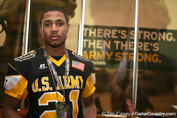 Hillside, Ill. (Proviso West HS) wide receiver Kyle Prater poses for a photo after the fourth day of practice for the U.S. Army All-American Bowl on Thursday, January 7, 2010 at the Grand Hyatt Hotel in San Antonio. / Gator Country photo by Tim Casey