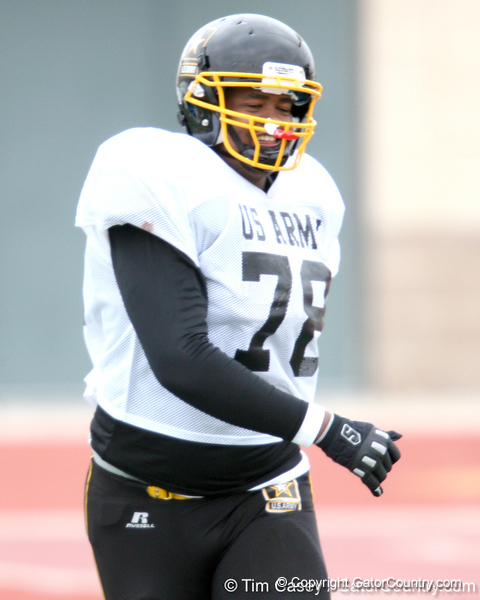 Raleigh, N.C. (Athens Drive HS) offensive lineman Robert Crisp works out during the East team's fourth day of practice for the U.S. Army All-American Bowl on Thursday, January 7, 2010 at Gustafson Stadium at the Hardin Athletic Complex in San Antonio. / Gator Country photo by Tim Casey