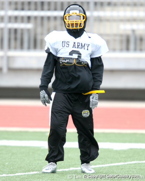 Princeton, Ohio (Princeton HS) running back Spencer Ware works out during the East team's fourth day of practice for the U.S. Army All-American Bowl on Thursday, January 7, 2010 at Gustafson Stadium at the Hardin Athletic Complex in San Antonio. / Gator Country photo by Tim Casey