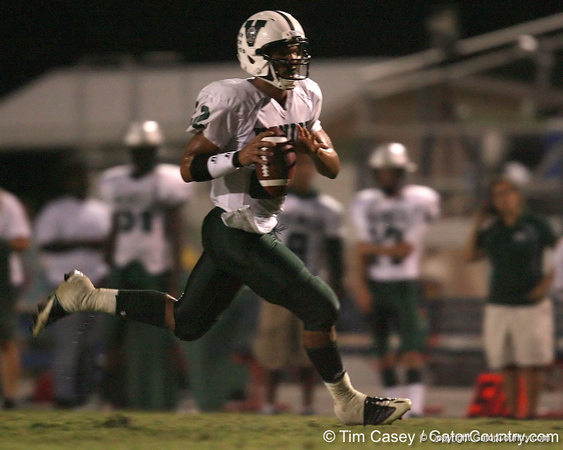 Venice High School senior Trey Burton (22) carries the ball during the Indians' 34-10 win against the Southeast Seminoles on Friday, October 2, 2009 at John Kiker Memorial Stadium in Bradenton, Fla. / Gator Country photo by Tim Casey