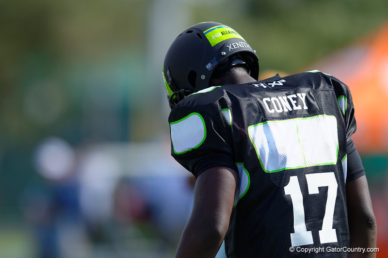 2015 high school football recruit linebacker Te'Von Coney runs drills during the first day of practice for the 2015 Under Armour All-America High School Football Game.  2015 Under Armour All-America High School Football Game Practice Day 1.  December 29th, 2014. Gator Country photo by David Bowie.