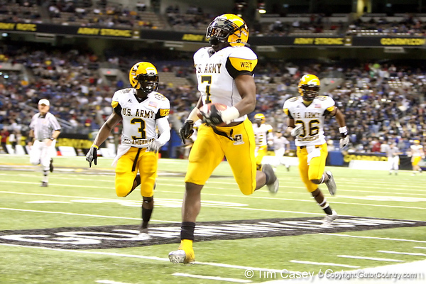 Moreno Valley, Calif. (Rancho Verde HS) defensive end Ronald Powell returns a blocked extra point for two points during the U.S. Army All-American Bowl on Saturday, January 9, 2010 at the Alamodome in San Antonio. / Gator Country photo by Tim Casey