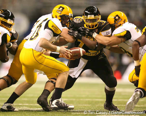 Philadelphia (George Washington HS) defensive tackle Sharrif Floyd pressures the quarterback during the first half of the U.S. Army All-American Bowl on Saturday, January 9, 2010 at the Alamodome in San Antonio, Texas. / Gator Country photo by Tim Casey