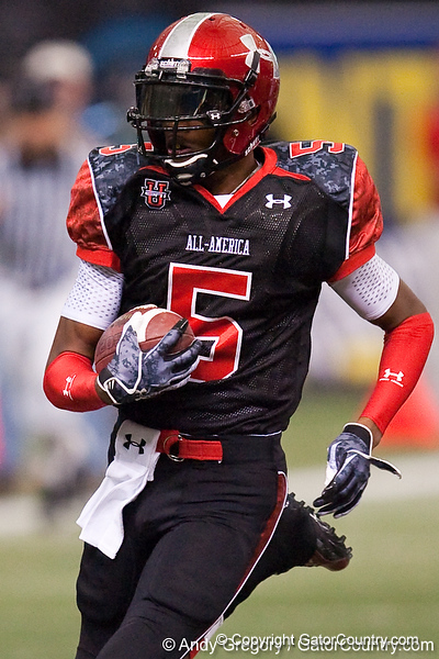 Bradenton (Southeast HS) safety Jonathan Dowling returns an interception for a touchdown during the Under Armour All-America High School Football Game on Jan. 3, 2010 at Tropicana Field in St. Petersburg, Fla. / Gator Country photo by Andy Gregory