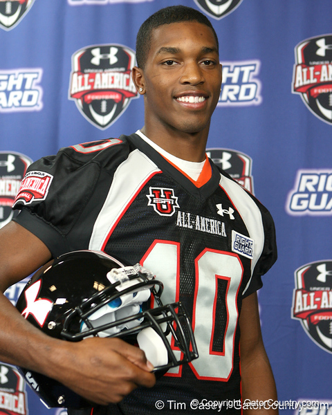 Bradenton (Southeast HS) safety Jonathan Dowling announced his selection to play in the Under Armour All-America Game on Friday, November 6, 2009 at Southeast High School in Bradenton, Fla. / Gator Country photo by Tim Casey