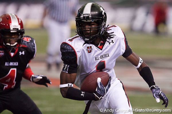Pahokee (Pahokee HS) wide receiver Chris Dunkley runs with the ball during the Under Armour All-America High School Football Game on Jan. 3, 2010 at Tropicana Field in St. Petersburg, Fla. / Gator Country photo by Andy Gregory