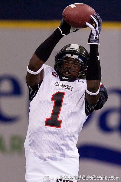 Pahokee (Pahokee HS) wide receiver Chris Dunkley catches a pass during the Under Armour All-America High School Football Game on Jan. 3, 2010 at Tropicana Field in St. Petersburg, Fla. / Gator Country photo by Andy Gregory