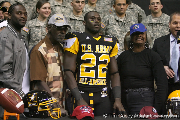 Palm Beach Gardens (Dwyer HS) safety Matt Elam announces his verbal commitment to play for the University of Florida during the U.S. Army All-American Bowl on Saturday, January 9, 2010 at the Alamodome in San Antonio, Texas. / Gator Country photo by Tim Casey