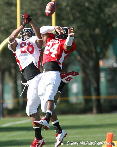 photo by Tim Casey<br /> <br /> Tight end Ra'Shede Hageman (Minnesota commit) and outside linebacker Ronnell Lewis (Oklahoma commit) work out during the first day of practice leading up to the Under Armour All-America Game on Wednesday, December 31, 2008 at Disney's Wide World of Sports Complex in Lake Buena Vista, Fla.