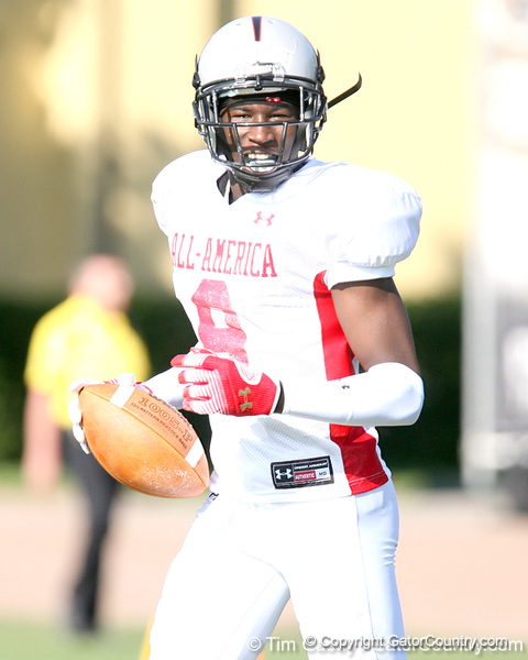 photo by Tim Casey<br /> <br /> Wide receiver Morrell Presley (UCLA commit) works out during the first day of practice leading up to the Under Armour All-America Game on Wednesday, December 31, 2008 at Disney's Wide World of Sports Complex in Lake Buena Vista, Fla.