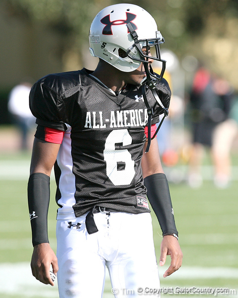 photo by Tim Casey<br /> <br /> Cornerback Ricardo Dixon, Jr. (South Florida commit) works out during the first day of practice leading up to the Under Armour All-America Game on Wednesday, December 31, 2008 at Disney's Wide World of Sports Complex in Lake Buena Vista, Fla.