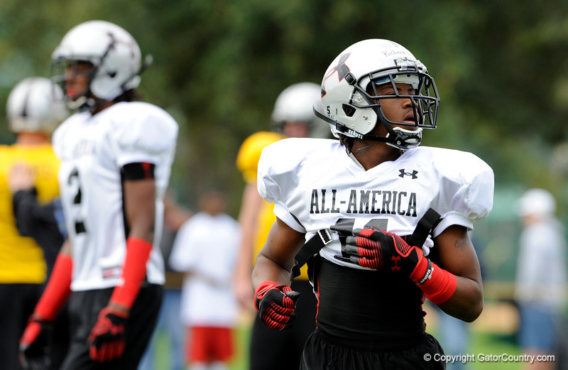 Photo by Casey Brooke Lawson<br /> <br /> Wide receiver Nu'Keese Richardson works out during the third day of practice leading up to the Under Armour All-America Game on Friday, January 2, 2009 at Disney's Wide World of Sports Complex in Lake Buena Vista, Fla.