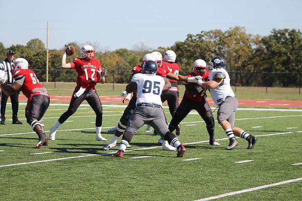 Football V. Iowa Central