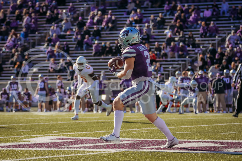 Senior running back Harry Trotter catches a pass during the game on December 5, 2020 game against Texas. (Sophie Osborn | Collegian Media Group)
