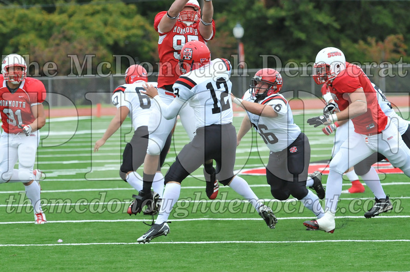 Monmouth Coll Defeats Grinnell Coll 59-0 10-03-09 029