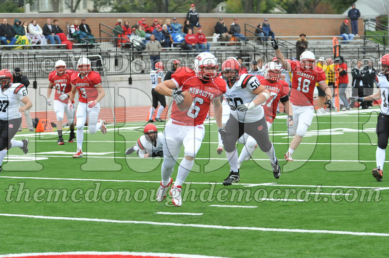 Monmouth Coll Defeats Grinnell Coll 59-0 10-03-09 055