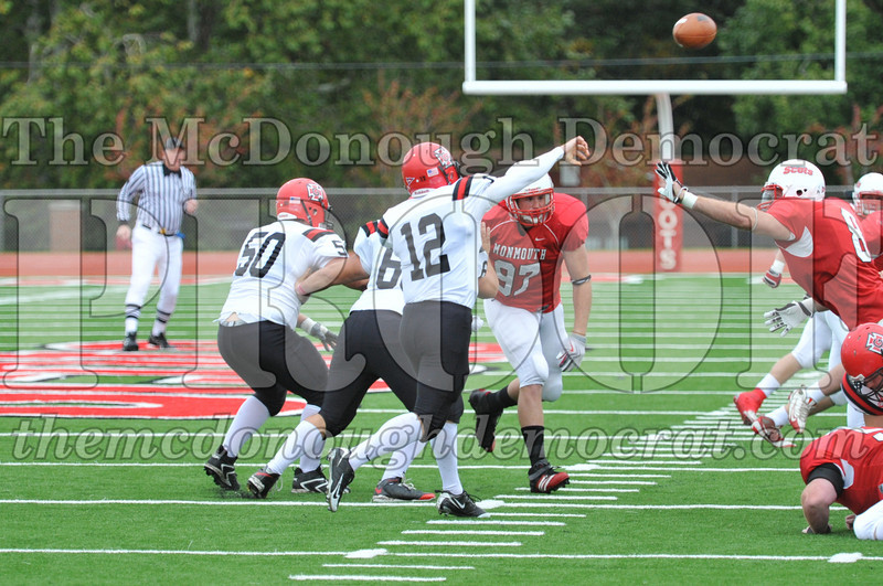 Monmouth Coll Defeats Grinnell Coll 59-0 10-03-09 028