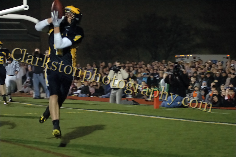 Varsity Football 11-21-09 image 251_edited-1