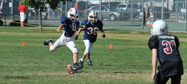 GAB_6205 2010-08-21 10-15 Ogden Valley @ MC Jr Pee Wee Blue (Bowler), North field