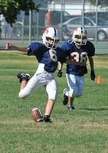 GAB_6206 2010-08-21 10-15 Ogden Valley @ MC Jr Pee Wee Blue (Bowler), North field-1