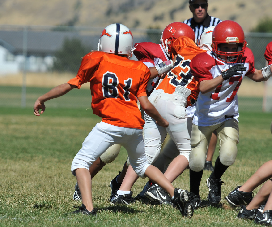 Jr. Midget White 1-45pm Logan Red @ Mtn. Crest Jr. Pee Wee White, (MC North Fld, 20100911 4109_