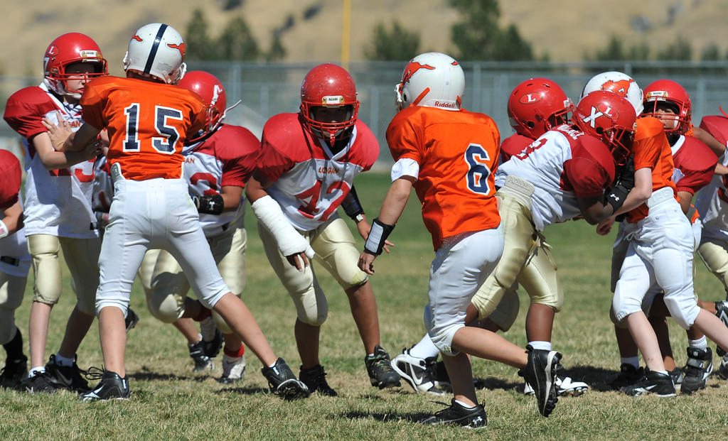Jr. Midget White 1-45pm Logan Red @ Mtn. Crest Jr. Pee Wee White, (MC North Fld, 20100911 4119_