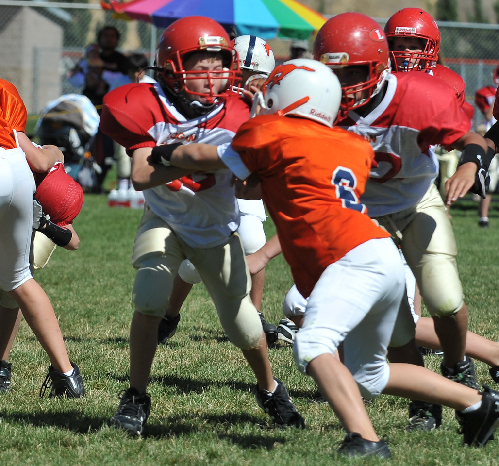 Jr. Midget White 1-45pm Logan Red @ Mtn. Crest Jr. Pee Wee White, (MC North Fld, 20100911 4166_