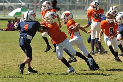 20100925 9137  WFFL 12-00pm, Mitey Mite,  Mtn. Crest White  @ Mtn. Crest Orange  (North)_