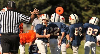 20100925 8197  2010-09-25 WFFL  Jr. Pee Wee, Mtn. Crest White  @ Mtn. Crest Blue (Bowler)