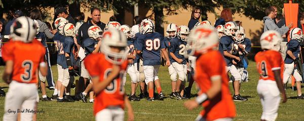 20100925 8128  2010-09-25 WFFL  Jr. Pee Wee, Mtn. Crest White  @ Mtn. Crest Blue (Bowler)