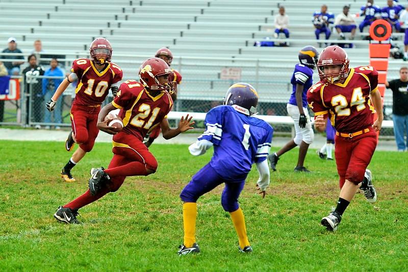 NB Little Lions Midgets vs  Hazelwood 15