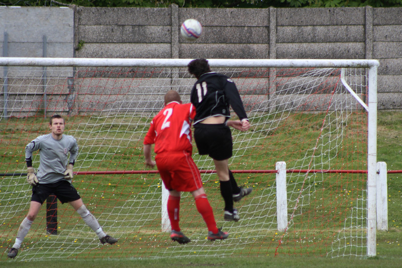 Aidan Lennon beaten to a header