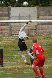 Fraser Wilson turning a header over the bar