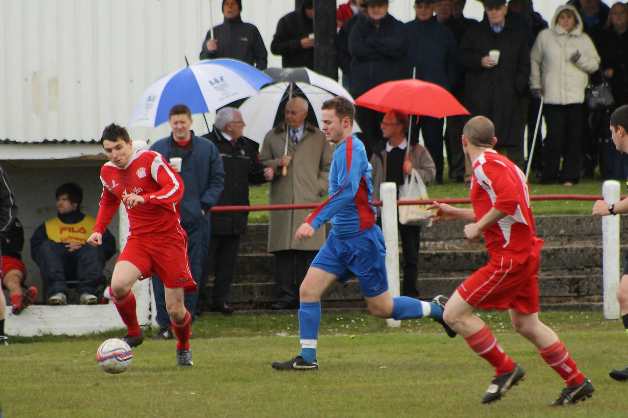 Martin McIntyre clearing the ball