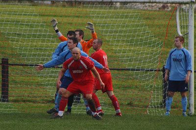About as good as it got for Newmains! Burgh players awaiting a corner