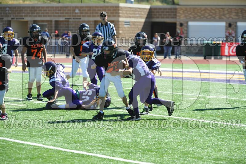 GS B Fb Macomb Black vs Rushville Purple 09-29-13 034