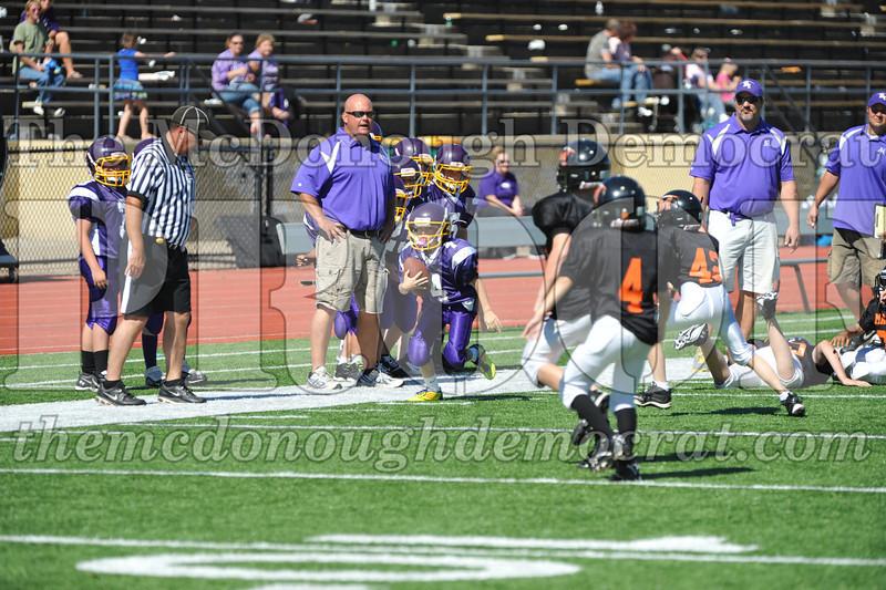 GS B Fb Macomb Black vs Rushville Purple 09-29-13 048