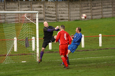 Ally McGhee clears  Johnstone Burgh 1 Carluke Rovers 2 Stagecoach West of Scotland League Central District  First Division Keanie Park 22/03/2014