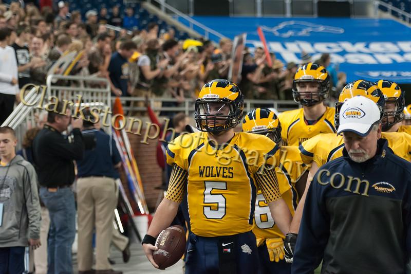 2014 Clarkston Varsity Football vs  Saline 030
