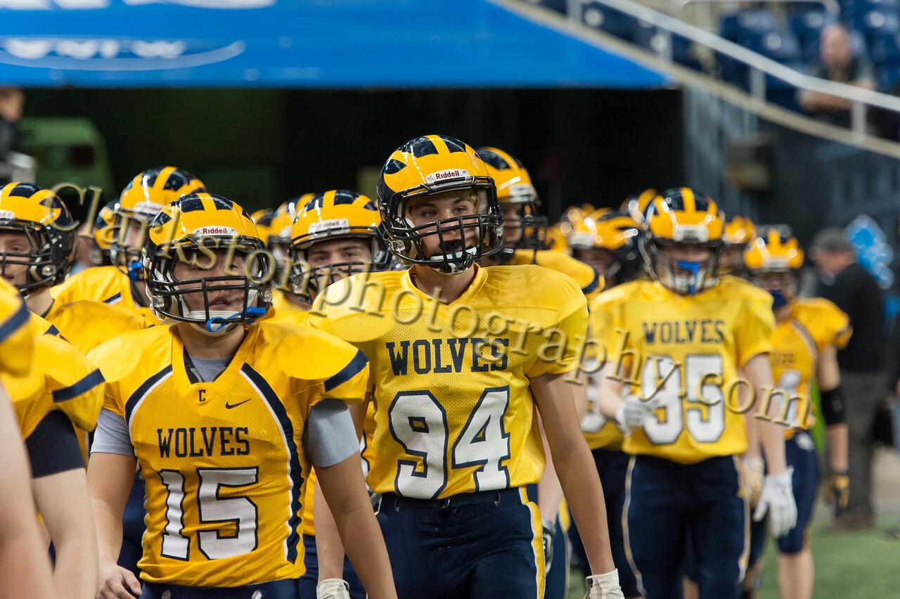2014 Clarkston Varsity Football vs  Saline 043