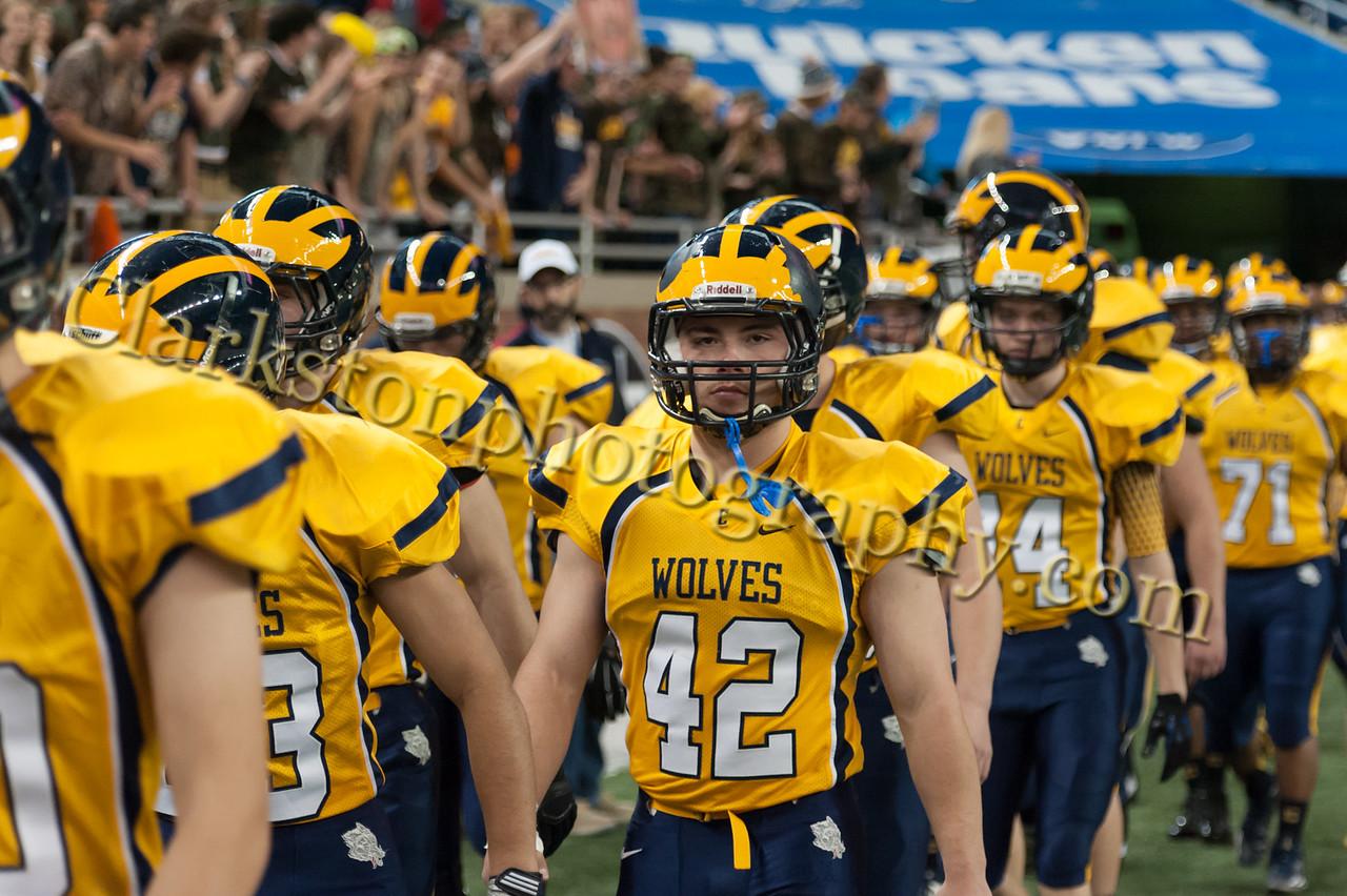 2014 Clarkston Varsity Football vs  Saline 038