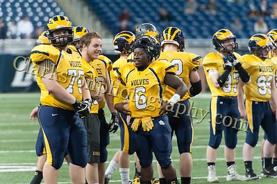 2014 Clarkston Varsity Football vs  Saline 064