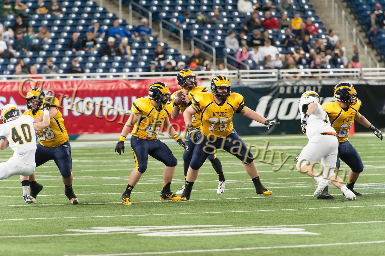 2014 Clarkston Varsity Football vs  Saline 264