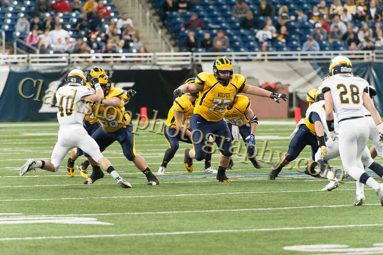 2014 Clarkston Varsity Football vs  Saline 262
