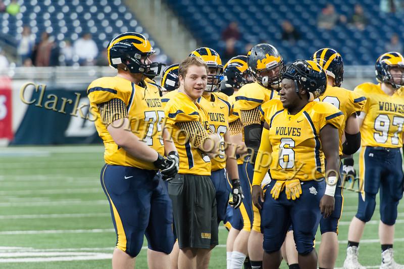 2014 Clarkston Varsity Football vs  Saline 065