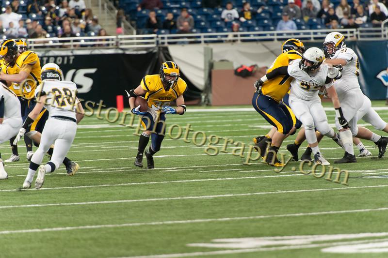 2014 Clarkston Varsity Football vs  Saline 254