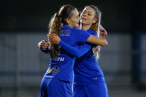 Sylke Calleeuw of KRC Genk Ladies - Nadine Hanssen of KRC Genk Ladies