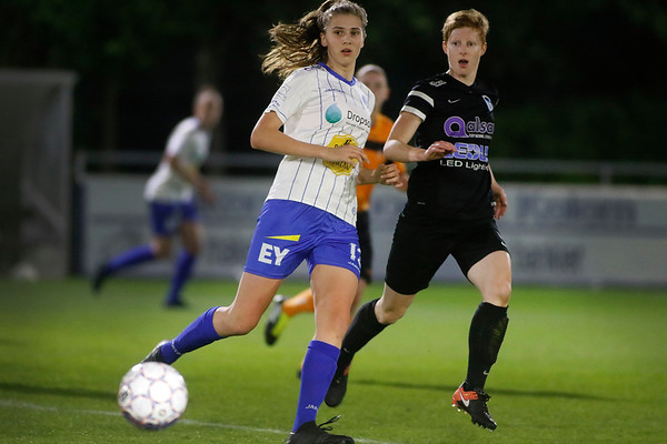 Gent - 27-04-2018 - KAA Gent Ladies - KRC Genk Ladies - Marie Minnaert of KAA Gent Ladies - Lien Mermans of KRC Genk Ladies